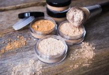Puder mineralny - jakie ma działanie?